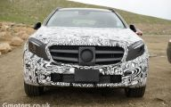 2016 Mercedes Benz  Gla-Class 40 Car Background Wallpaper