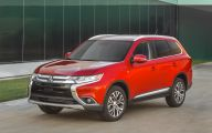 2016 Mitsubishi Outlander 12 Desktop Background