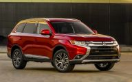 2016 Mitsubishi Outlander 17 Free Car Wallpaper