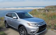 2016 Mitsubishi Outlander 21 High Resolution Wallpaper