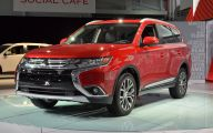 2016 Mitsubishi Outlander 23 Car Background