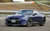 2016 Nissan Gt-R 32 Car Background Wallpaper