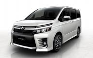 Toyota Vans 11 High Resolution Car Wallpaper