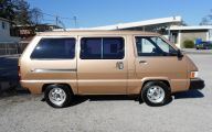Toyota Vans 22 Widescreen Car Wallpaper