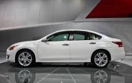 2013 Nissan Altima 18 Background Wallpaper