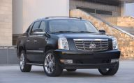 Cadillac Escalade 13 Background Wallpaper