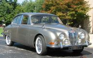 Jaguar Saloon 14 Free Wallpaper