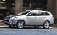 Mitsubishi Outlander 58 Background Wallpaper