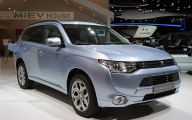 Mitsubishi Outlander 67 Background