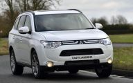 Mitsubishi Outlander 80 Background Wallpaper