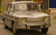 Old Renault Cars 4 High Resolution Wallpaper
