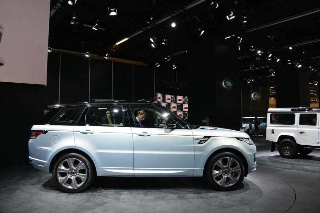 2016 Land Rover Range Rover 35 Car Desktop Wallpaper
