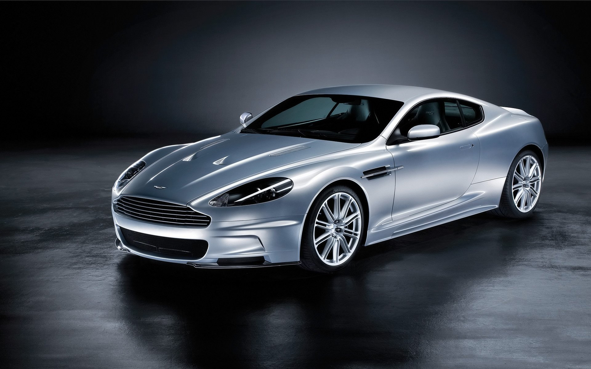 Aston Martin Cars 13 High Resolution Wallpaper