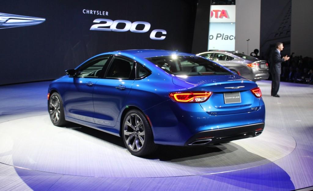 Chrysler 200 37 Car Desktop Background