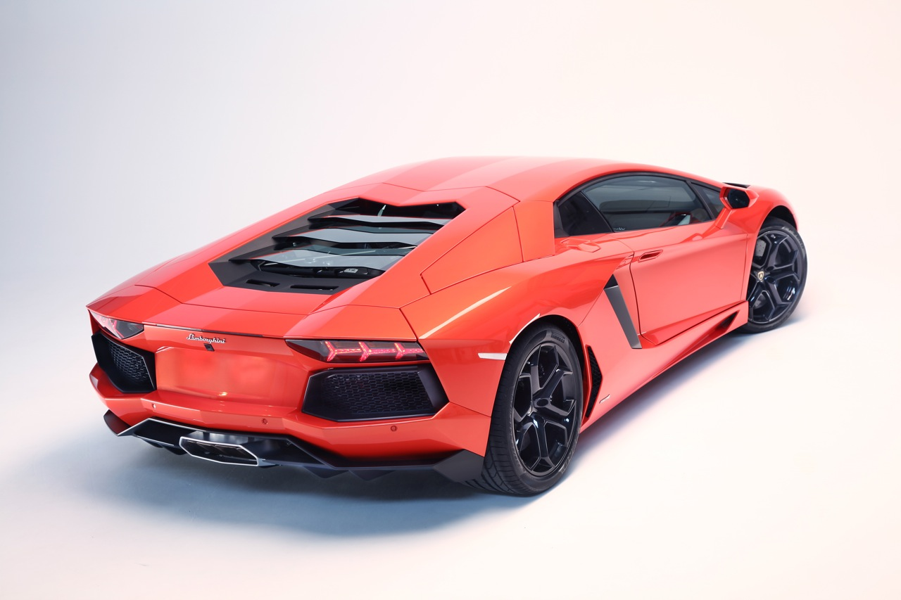 Lamborghini	Aventador 36 Background Wallpaper