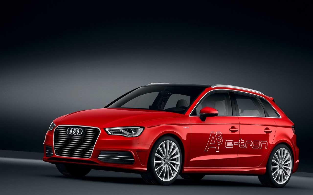 2016 Audi A3 2 Car Desktop Background