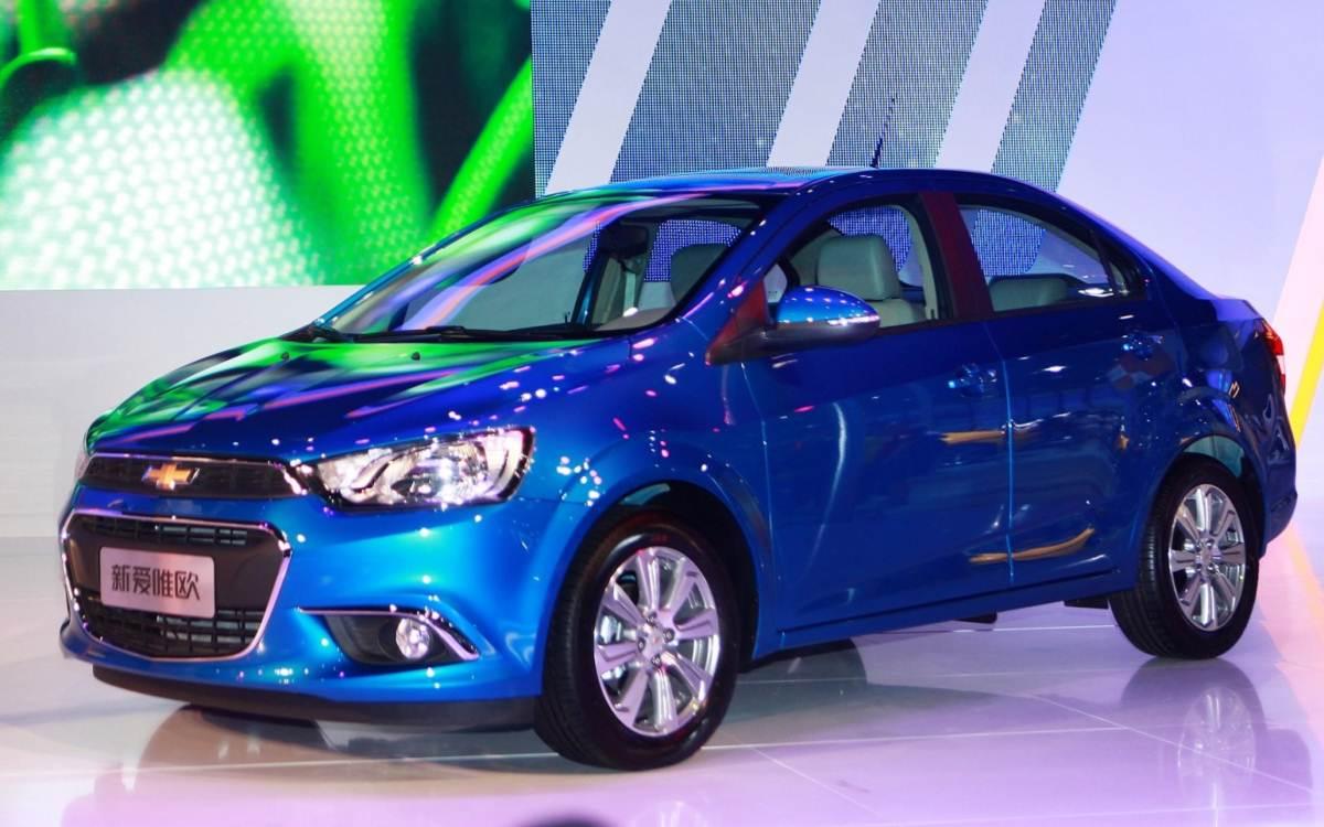 Chevrolet Sonic 2015 15 Car Desktop Wallpaper