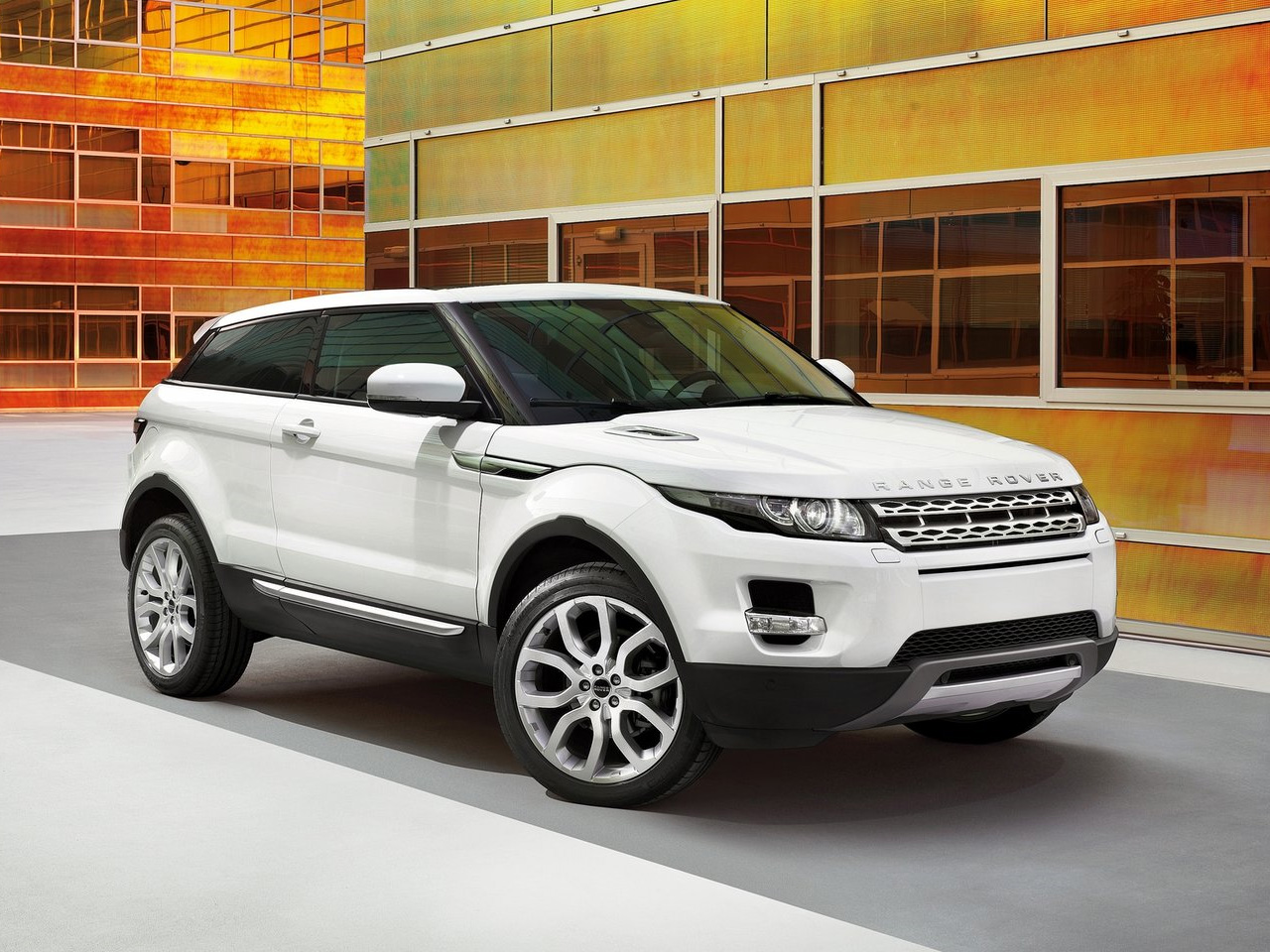 Land Rover Evoque 15 Free Car Wallpaper