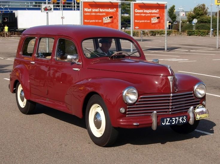Old Peugeot Cars 16 Widescreen Wallpaper