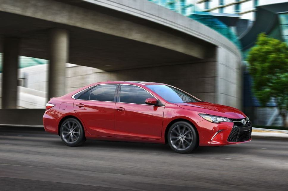 Toyota 2015 Camry 45 Car Background Wallpaper