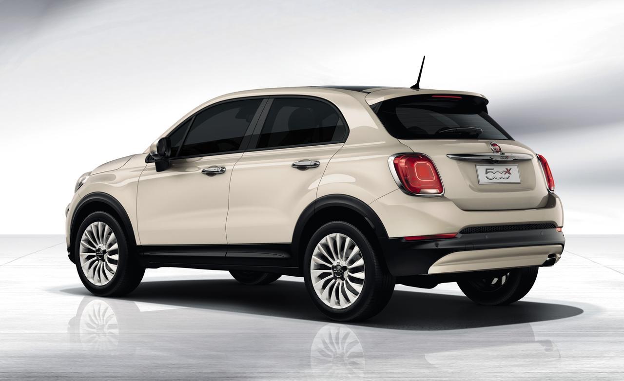 2016 Fiat Model 12 Car Desktop Background