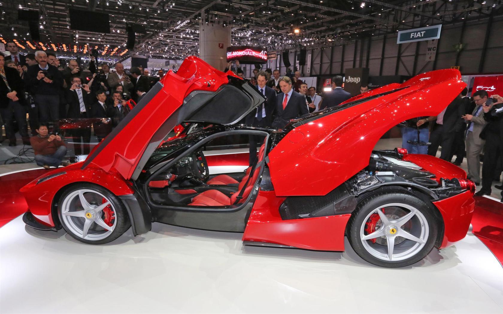 Ferrari Luxury Model Cars 20 Wide Car Wallpaper