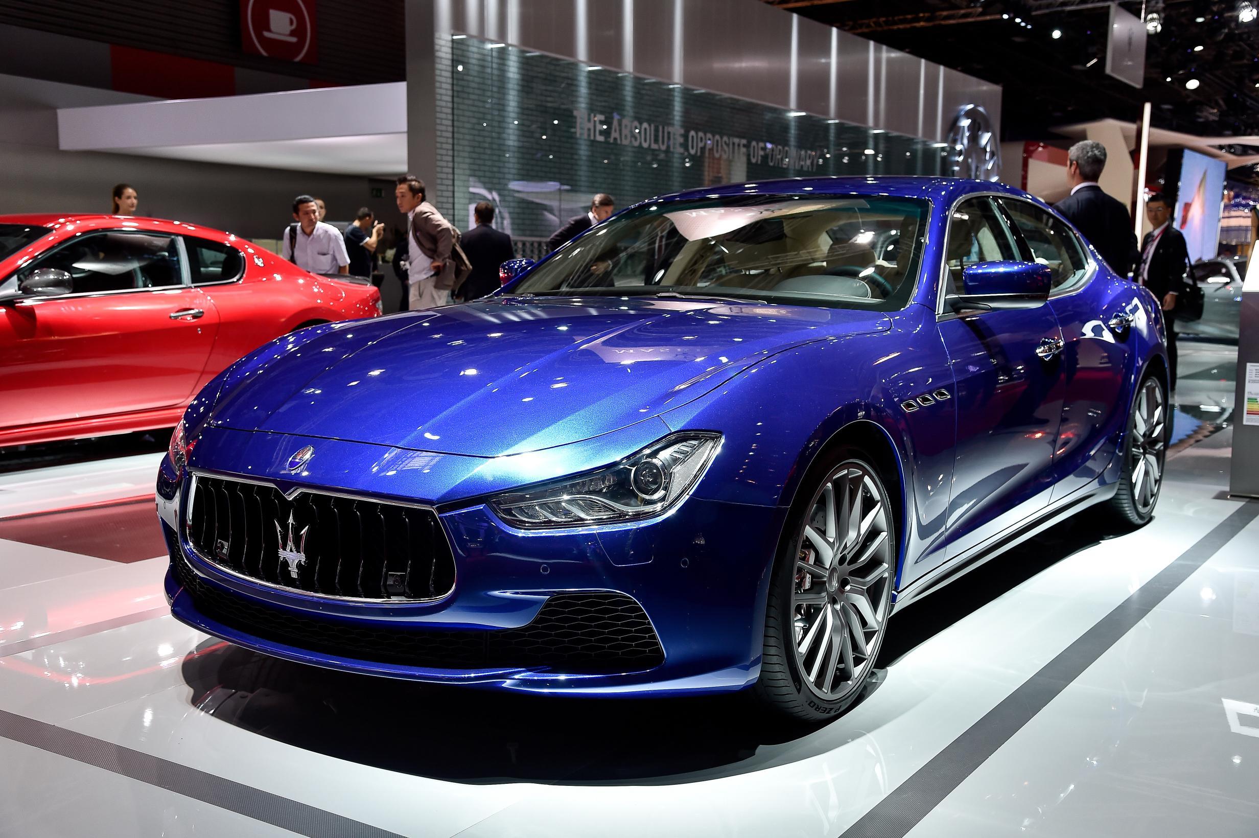 Maserati Ghibli 20 Car Background