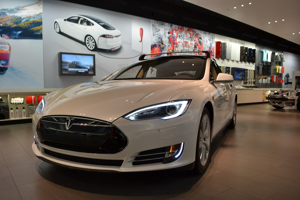Pre owned tesla model s 2 car background wallpaper hd for Pre owned motor cars